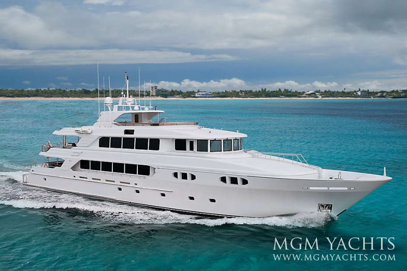 32198 01 Excellence Super Mega Luxury Yacht For Charter Cruising