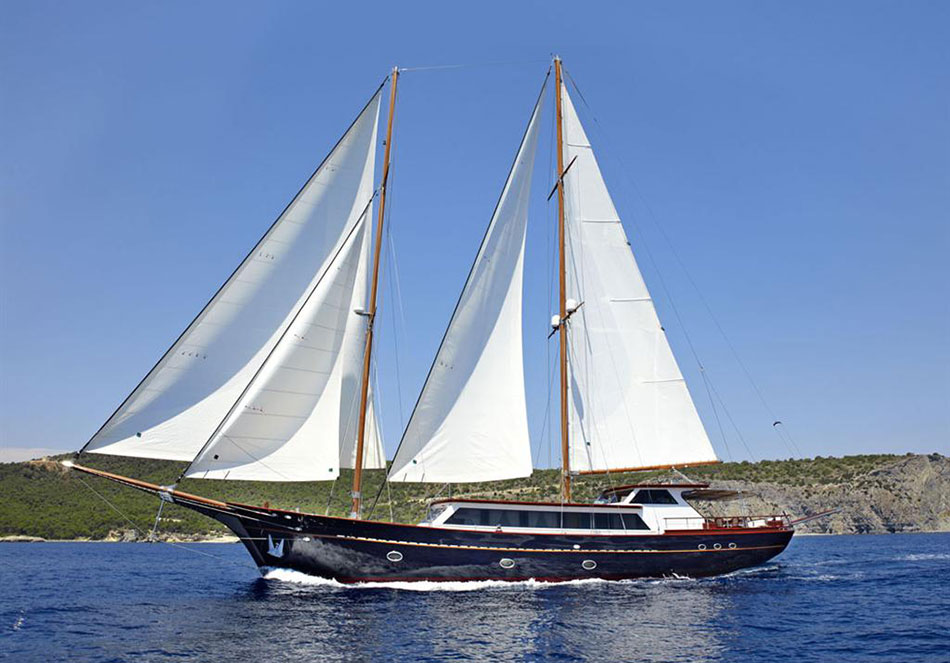 IRAKLIS L luxury sailing yacht